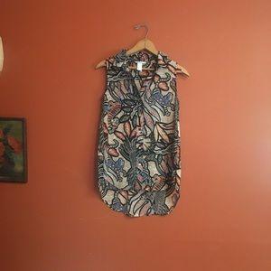 H&M Polynesian print sleeveless button blouse 2